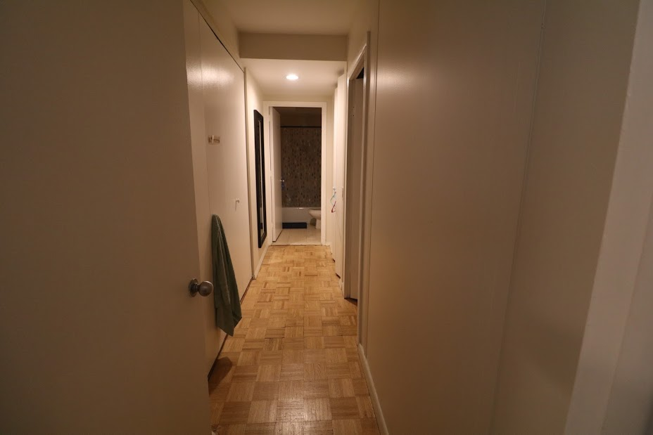294866176215_w_95_hallway