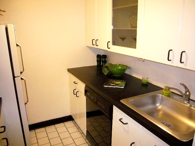 kitchen 1_640x480