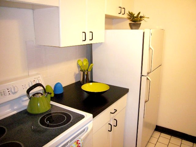kitchen 2_640x480